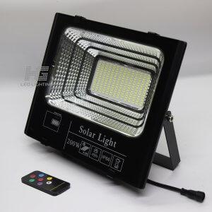 Đèn pha năng lượng mặt trời