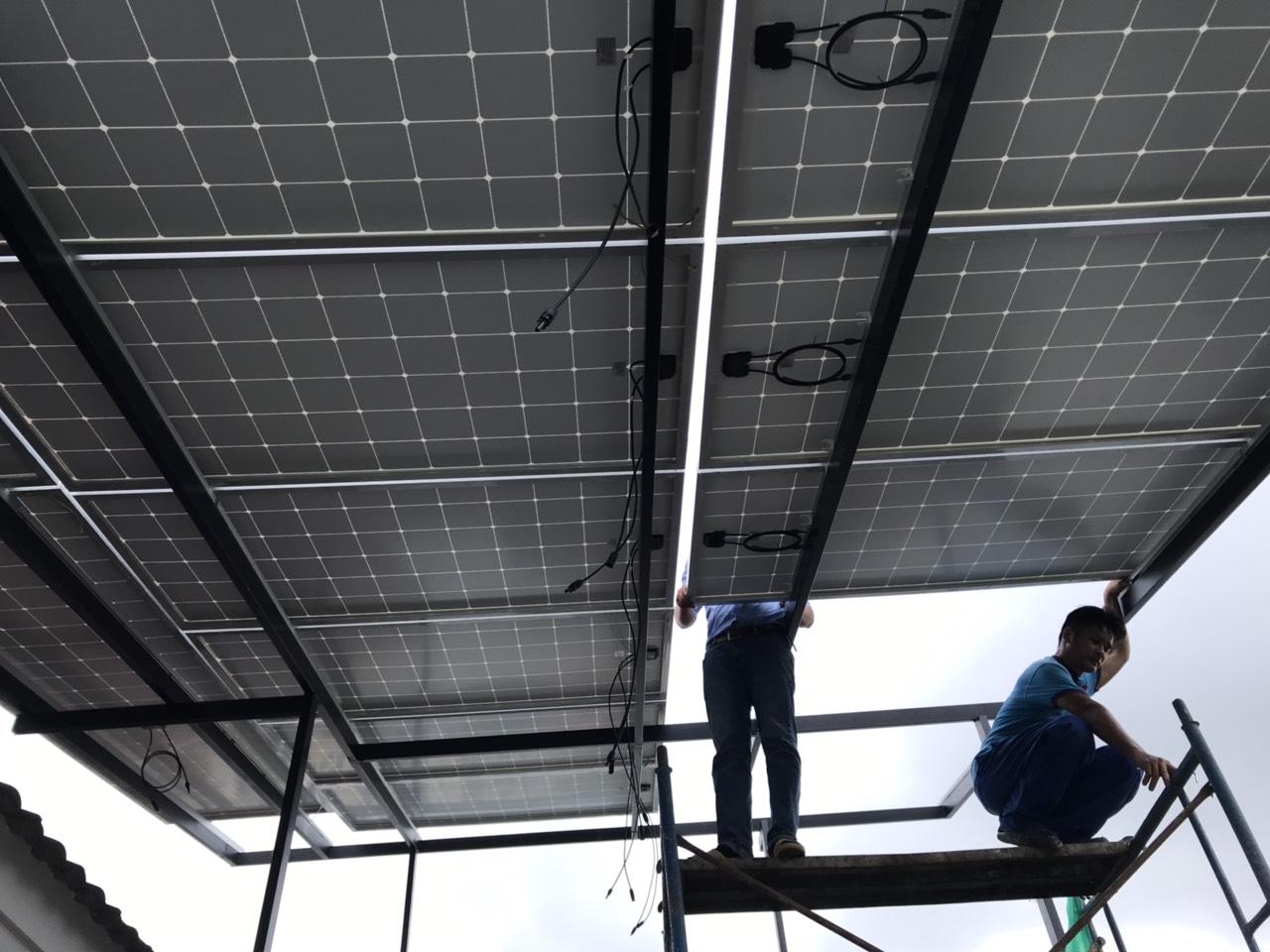 Nhiên viên HG Led Solar thi công điện năng lượng mặt trời